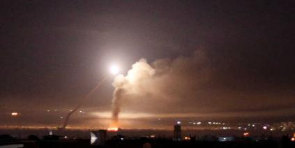 استهداف مواقع عسكرية بصواريخ إسرائيلية في منطقة القصير