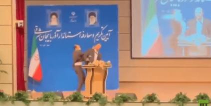 جنرال إيراني سابق خدم في سورية يتلقى صفعة يوم تنصيبه حاكما