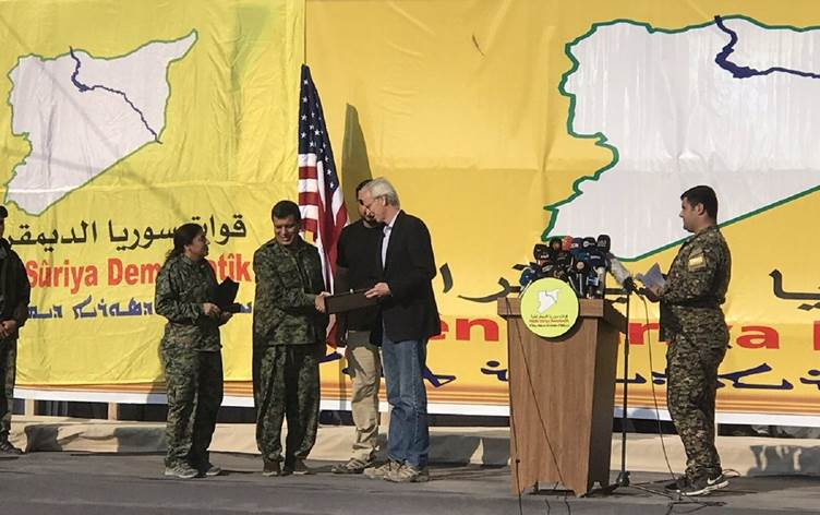 المبعوث الأميركي السابق إلى شمال شرق سوريا ويليام روباك (أ.ب)