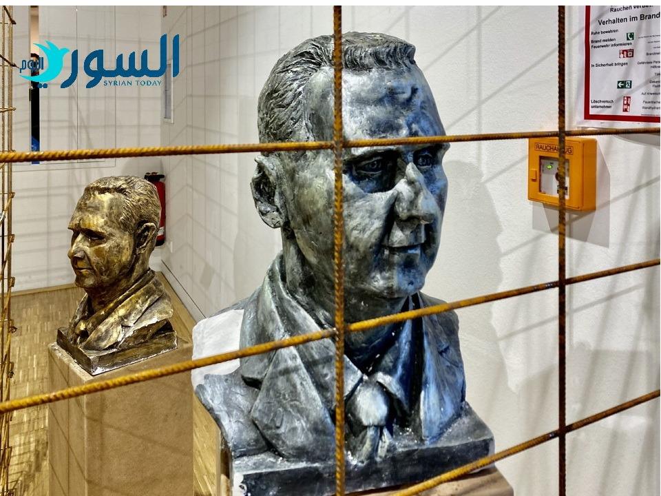 """مجسم لبشار الأسد خلف القضبان،  من معرض"""" بروتري ديكتاتور"""" كولن/ ألمانيا"""