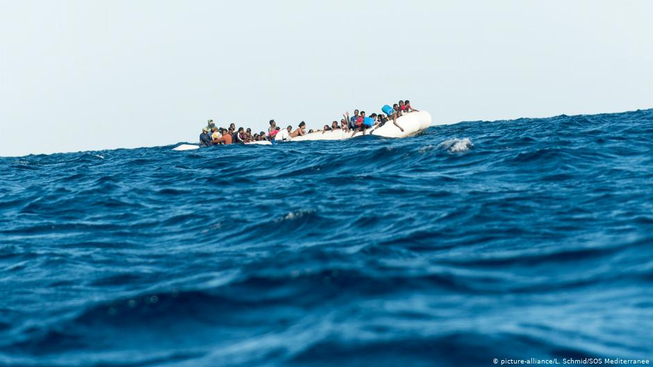 الهجرة غير المشروعة : عبور المتوسط أو الموت