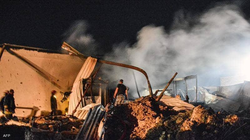 صورة من آثار الضربة الاسرائيلية امس تناقلتها الوكالات اليوم