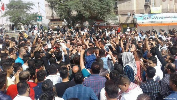 احتجاجات أزمة المياه في إيران مستمرة، وهتافات ضد خامنئي